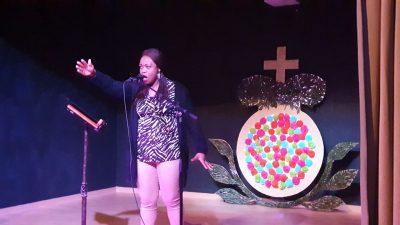 Actuación de Samia Cyntia Zebaze