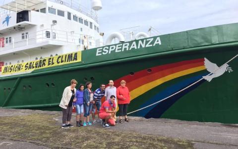 Visita al barco de Greenpeace
