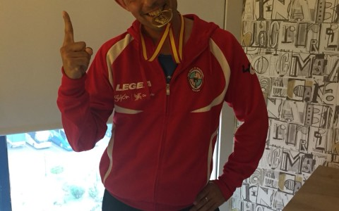 medalla de oro en lanzamiento de peso
